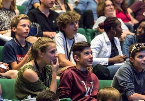 Le 15 juin, le Forum de la jeunesse viendra clore la première partie de la démarche Chambéry connectée jeunes, afin de co-construire le projet jeunesse de la mairie de Chambéry.